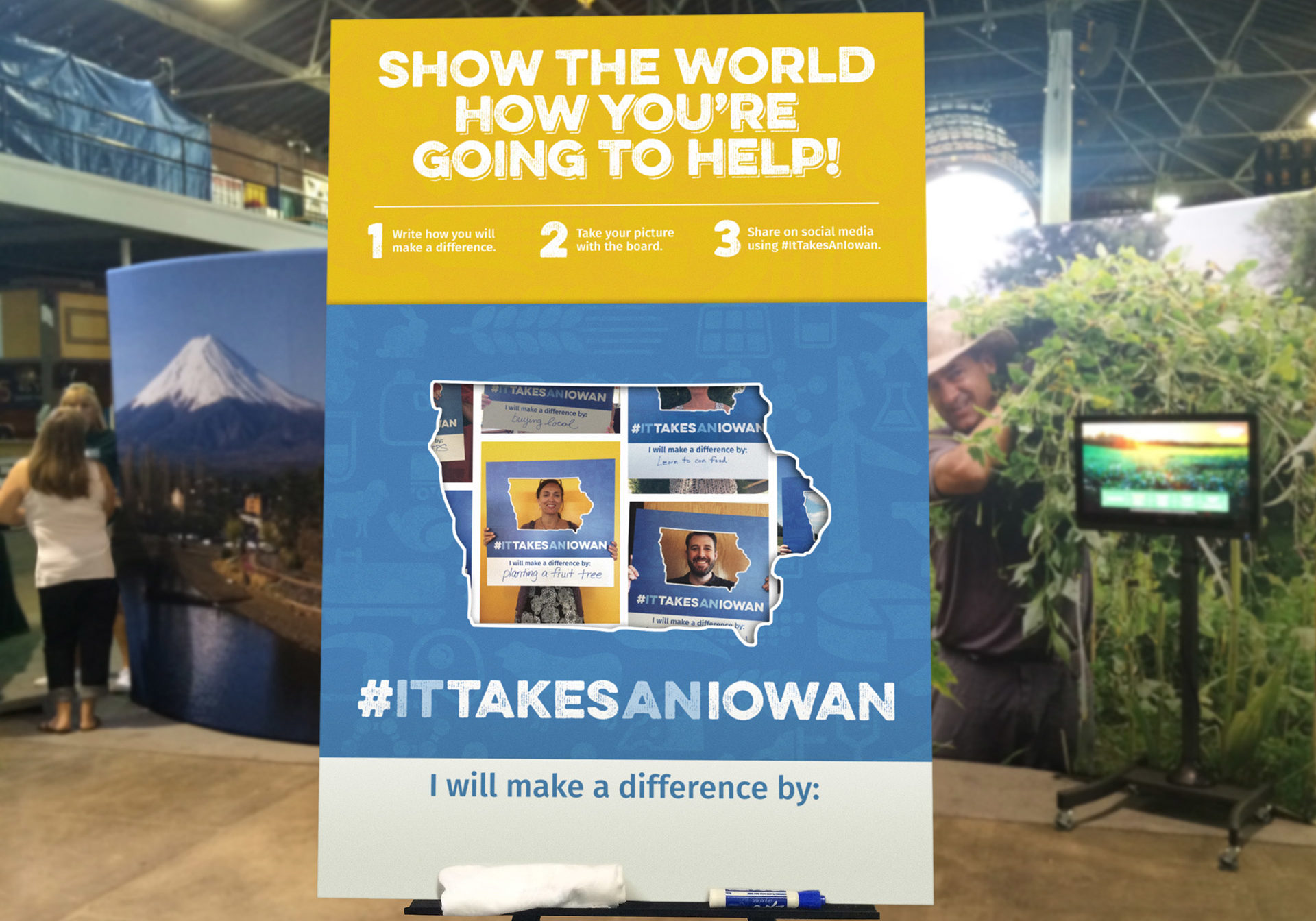 "It Takes a Iowan Booth ""I Make a Difference"" Dry Erase Interactive"